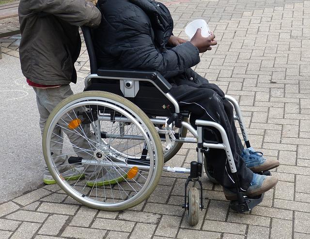 Rollstühle bewahren im Later die Mobilität